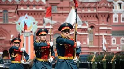 """Судьба 9 мая: как Россия изолировала себя """"гражданской религией"""""""