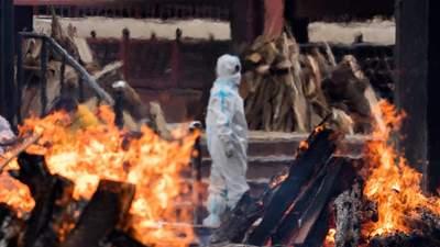 Падение в ад: как пандемия COVID-19 вышла из-под контроля в Индии