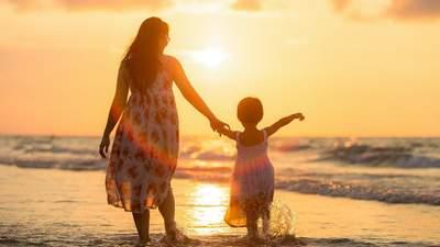 С праздником, мама: захватывающая история Дня матери