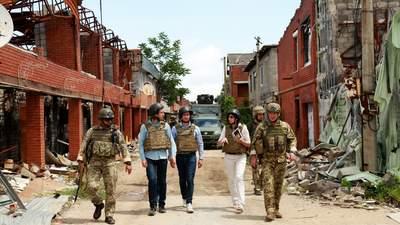 Вражені хоробрістю воїнів ЗСУ, – французькі депутати відвідали прифронтове Широкине