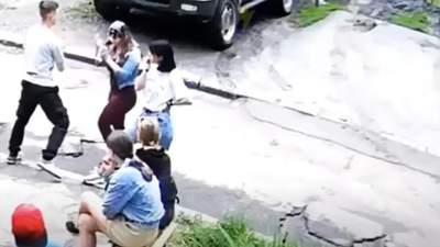 Жорстоке побиття дівчини в Харкові: поліція розшукала 16-річного нападника