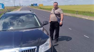 Под Херсоном полицейский устроил стрельбу на трассе: есть пострадавшие