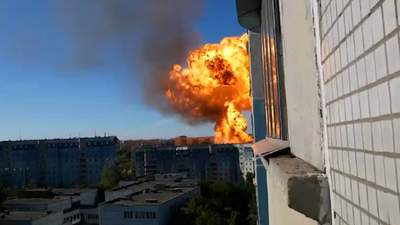 У Росії масштабні вибухи на АЗК: є постраждалі – моторошні відео
