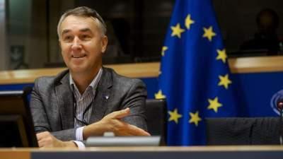 Мы слишком долго жили по сценарию Путина, – евродепутат призвал к решительным действиям