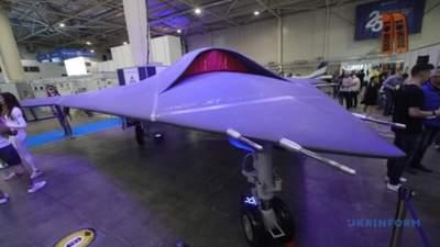 Высокотехнологичная разработка: в Киеве представили боевой дрон, что не имеет аналогов в мире