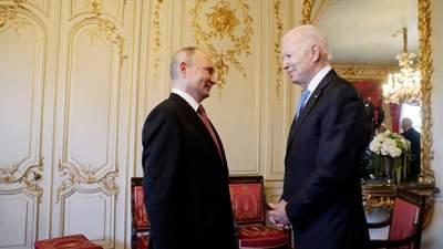 """""""Хаотична сутичка"""": на фотосесії Байдена з Путіним непорозумілись журналісти"""