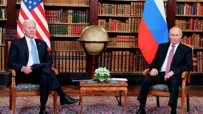 Сонячні окуляри та письмовий набір: якими подарунками обмінялися Байден і Путін