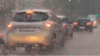 Не встигли оговтатися від попередньої: Одесу знову накрила злива