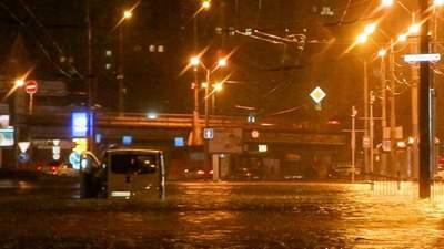 Днепр ушел под воду: город затопил сильный ливень