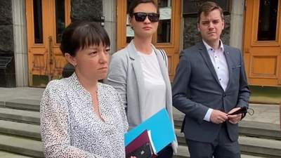 Одна з фігуранток справи Шеремета Яна Дугарь прийшла в Офіс Президента