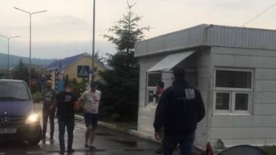 ДБР навідалось на Закарпатську митницю: шукали контрабандний алкоголь