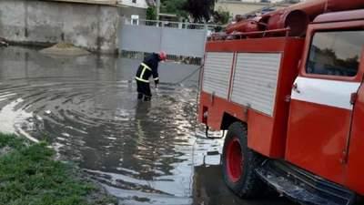 В Одесской области из-за мощных дождей и ливней возникла угроза прорыва дамбы: фото
