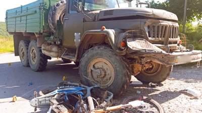 На Прикарпатье в ДТП с грузовиком погибли 18-летние молодые люди