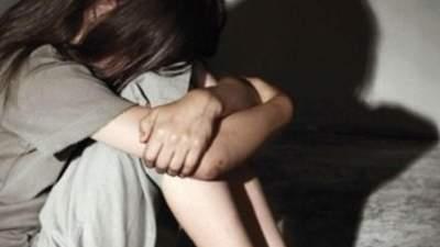 На Хмельнитчине педофил среди бела дня изнасиловал 12-летнюю девочку