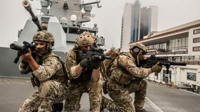 Украинские спецназовцы потренировались на эсминце королевы Великобритании: фото