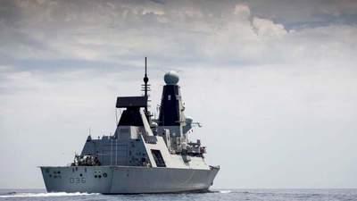 """Доказательство нашей позиции, – Украина об """"обстреле"""" британского эсминца возле Крыма"""