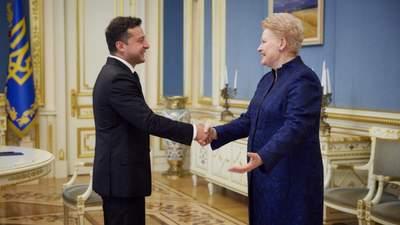 Украинцы – герои, которые борются за свою страну, – Грибаускайте на встрече с Зеленским
