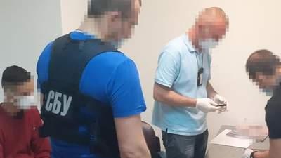 """Проглотил кило кокаина и провозил в багаже: СБУ задержала наркокурьеров в """"Борисполе"""" – фото"""