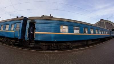 Гибель на железной дороге: пассажирский поезд насмерть сбил мужчину во Львове