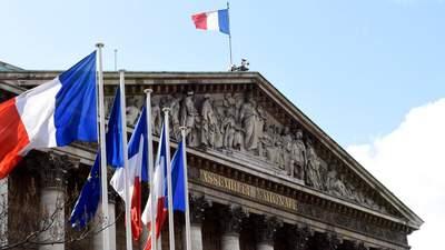 """Парламент Франции одобрил закон против """"исламистского сепаратизма"""""""