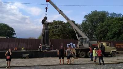 Від СРСР не залишилося жодного сліду: Монумент слави остаточно демонтували у Львові – відео