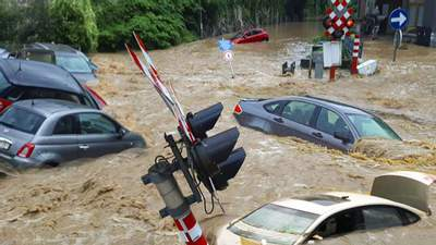 Вода сносит все на своем пути: новые разрушительные наводнения охватили Бельгию – фото, видео