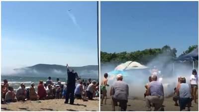 В России ранили женщину из ракетницы во время празднования дня ВМФ: видео