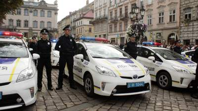 Рекордно пьяный и бе: во Львове водитель заснул после ДТП – видео
