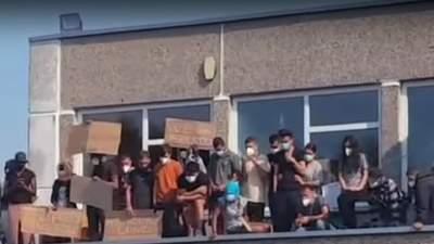 У Литві нелегальні мігранти розпочали бунт: відео