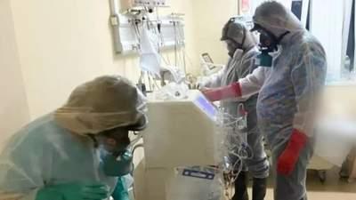 В Александровской больнице в Киеве скончался инфицированный штаммом Дельта пациент