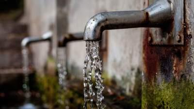 В Киевводоканале уверяют, что вода из-под крана лучше бутилированной