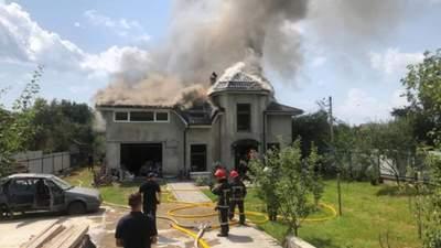 На Прикарпатье на дом упал легкомоторный самолет: 4 погибших
