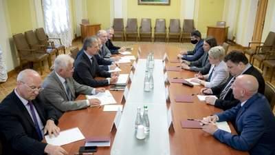 Які документи підпишуть Зеленський і Байден під час зустрічі: деталі від ОП