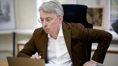 Питання не лише мови, а й економіки, – Ткаченко про російськомовні серіали в Україні
