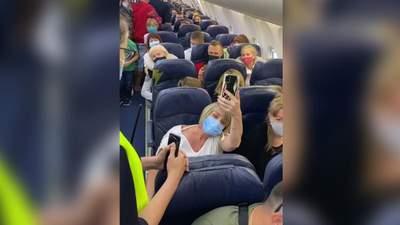 Намордниками хочуть задавити, – скандалістка прокоментувала конфлікт у літаку до Анталії