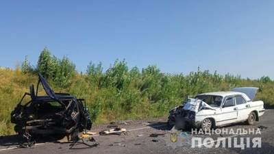В Одесской области в результате ДТП авто разорвало пополам: фото