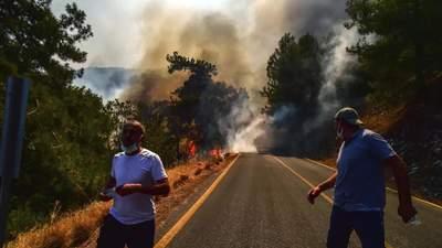 Пожежі у Туреччині 2 серпня: у Мармарисі ситуація не критична, ЄС направить в країну 3 літаки