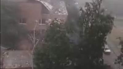 Кримінальні справи розлетілись: на Миколаївщині буря знесла дах будівлі суду – фото, відео