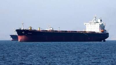 Сразу 4 танкера заявили о потере контроля у берегов ОАЭ