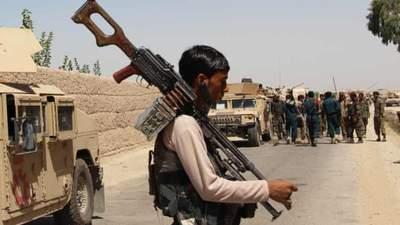 В Афганістані тривають запеклі бої за Лашкаргах: десятки мирних жителів загинули