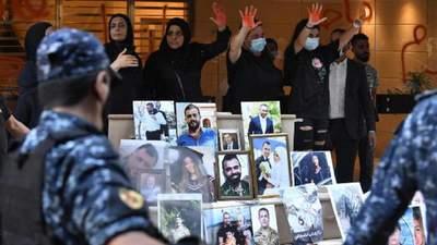 Чествование жертв взрыва в Бейруте закончилось стычками: видео