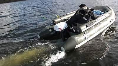 Штормом несло в Молдову: як прикордонники виловили рибалку на Одещині