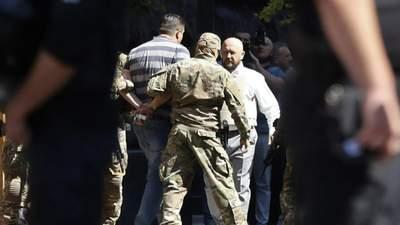 Захватчику Кабмина объявили о подозрении