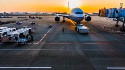 Из-за полетов в оккупированный Крым: суд арестовал еще 13 российских самолетов
