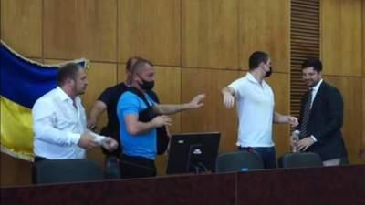 Семенихин и Качура после конфликта обменялись обвинениями: мэр обратился к Зеленскому