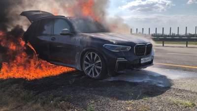 У Львові ображений пішохід підпалив позашляховик ексгенпрокурора Олега Махніцького