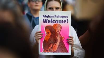 Розглядають як здобич: майбутнє афганських жінок – під загрозою