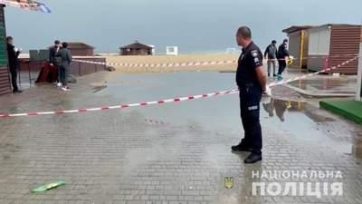 В курортной Затоке мужчина устроил стрельбу на улице, есть убитый