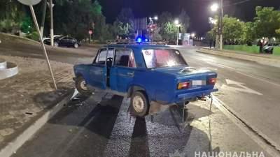 В Мелитополе над виновником ДТП пытались совершить самосуд: видео с места происшествия
