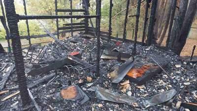Будинок згорів дотла: на базі відпочинку під Харковом спалахнула пожежа – є постраждалі